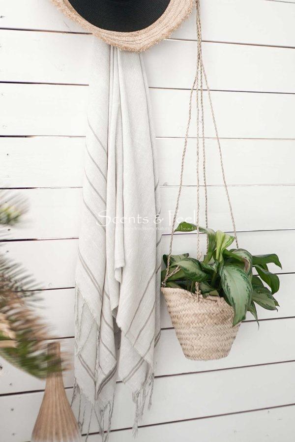 throw blanket fine stripes beige